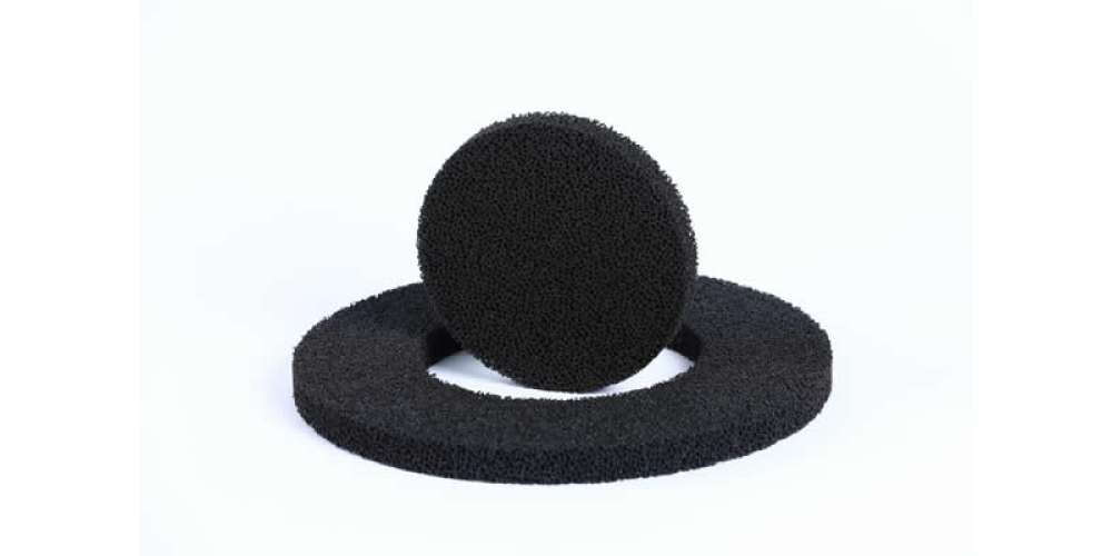 Foam filters with spherical activated carbon